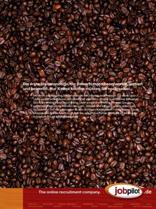 """jobpilot - B2B-Anzeige für """"Online-Stelleanzeigen"""" I Motiv: Kaffeebohnen I Agentur: McCann"""